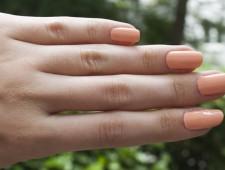 Nagellack für Zehen- oder Fingernägel?